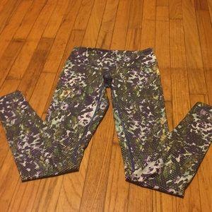 Pants - Size 4 Lululemon iris floral Wunder Under high